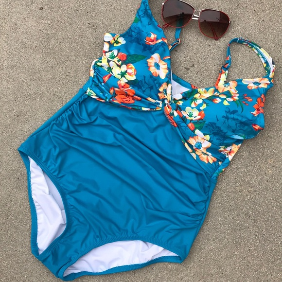 73123aa015 Lands' End Swim   Lands End One Piece Brand New Never Worn Built In ...